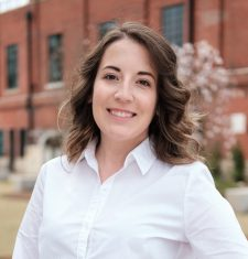 Stephanie Tomlinson Profile Photo